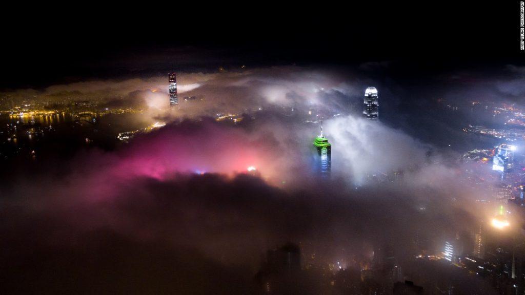 160421104947-01-hong-kong-urban-fog-super-169